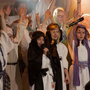 Bartimäus-Musical lockt 500 Zuschauer in die Zeltkirche